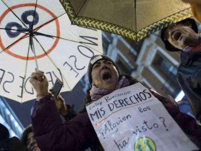 Manifestación contra los recortes en sanidad. / JUAN MEDINA (REUTERS)