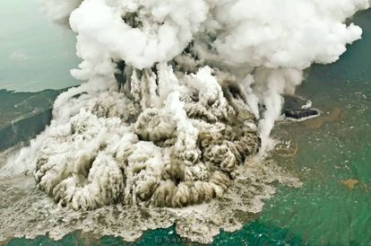 Imagen de la erupción del Anak Krakatoa, el pasado día 23.