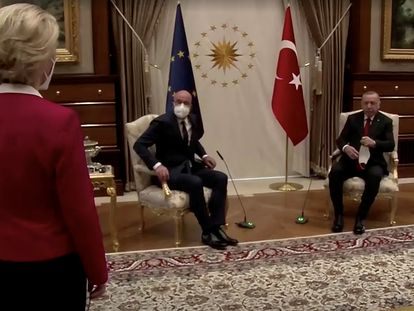 Ursula von der Leyen, Charles Michel y Recep Tayyip Erdogan, en la reunión mantenida el pasado 6 de abril en Ankara (Turquía).