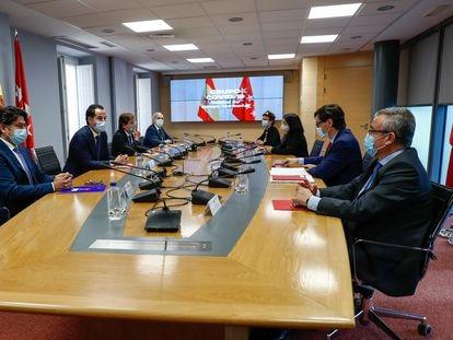 Reunión este martes del equipo de apoyo territorial de la crisis del covid en Madrid con representantes del Gobierno y la Comunidad.
