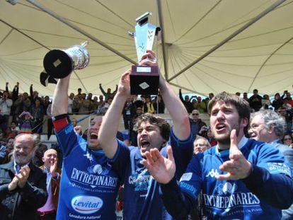 El Quesos Entrepinares de Valladolid celebra el titulo de Liga en 2019.
