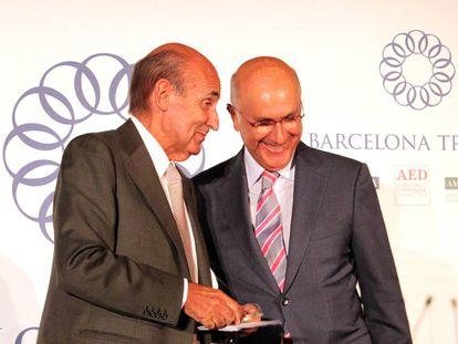 Miquel Roca i Junyent con Josep Antoni Duran i Lleida, en Tribuna Barcelona.