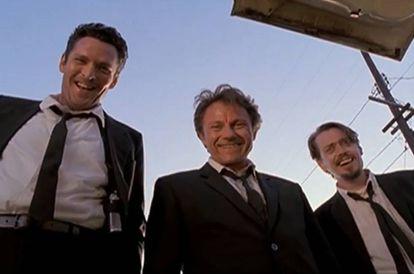 De izquierda a derecha, los actores Michael Madsen, Harvey Keitel y Steve Buscemi en 'Reservoir dogs'. El primero de ellos protagonizó la famosa escena de la oreja.