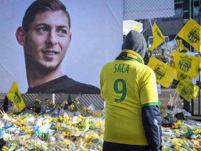 Homenaje de la afición del Nantes a Emiliano Sala.