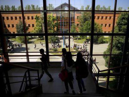 Los estudiantes de la URJC temen por la pérdida de valor de sus grados y apelan a su esfuerzo y trabajo