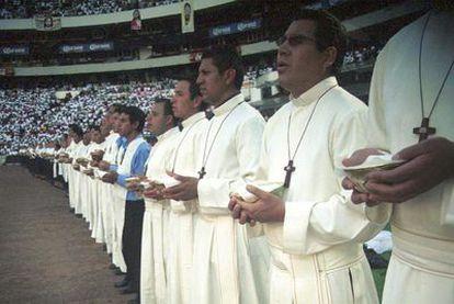 Clausura del encuentro Cien Mil Jóvenes, organizado en Ciudad de México, en 2004, por el grupo Misioneros de Palabra.