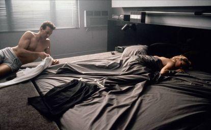 Cuando llegó el día de rodar la última escena del guion (que finalmente sería eliminada del montaje definitivo), el personaje de Basinger debía estar al límite de su resistencia física y emocional