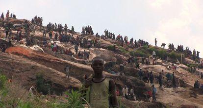 Las minas de coltán en el Congo centran la primera entrega de 'En tierra hostil'.