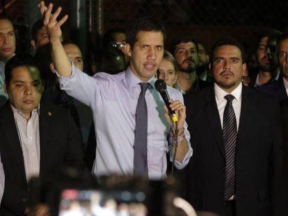 El presidente de la Asamblea Nacional, este martes en Caracas. En vídeo, la detención de Guaidó podría ser inminente en Venezuela.