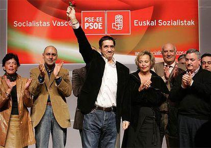 El líder del PSE, Patxi López, durante el acto de los socialistas vascos celebrado ayer en Bilbao.