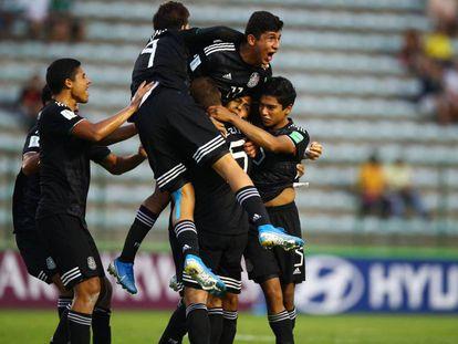 La celebración de los futbolistas mexicanos.