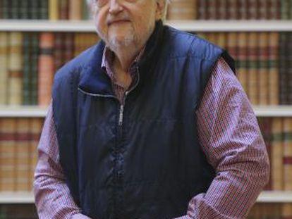 Daniel Divinsky, fotografiado en el hotel Wellington.