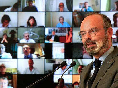 El primer ministro francés, Édouard Philippe, al inaugurar la conferencia sobre la reforma del sistema de salud, este lunes, en París.