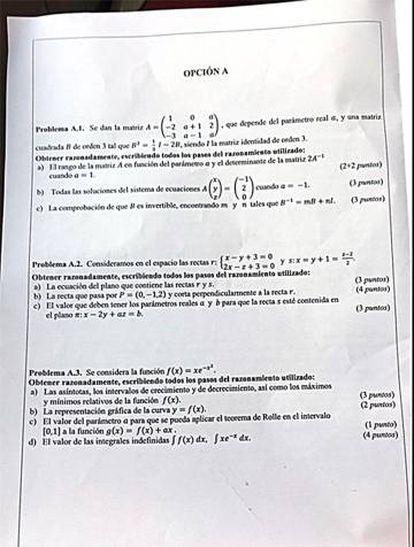 La opción A del examen de Matemáticas II de Valencia. Pinche en la imagen para ampliar.