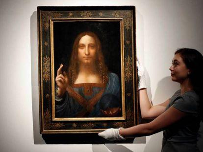 'Salvator Mundi', atribuido a Leonardo da Vinci. En vídeo, así fue la subasta del cuadro más caro de la historia.