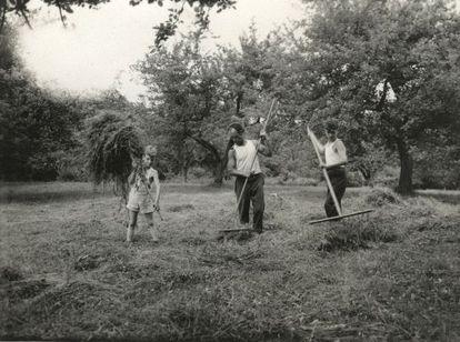 Ángel Alonso, con sus hijos Joseph (izquierda) y Manuel, en Wallkill (Nueva York).