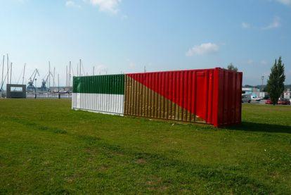 Instalación de Kiko Pérez, en Vilagarcía de Arousa, para la Bienal de Pontevedra.