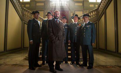 El actor Carlos Santos, como Luis Roldán en 'El hombre de las mil caras', de Alberto Rodríguez.
