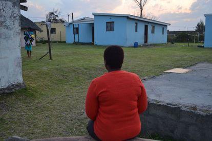 Cindi se quedó embarzada a los 16 de un hombre de 40 que la abandonó.