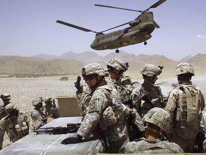 Militares de EE UU, desplegados cerca de la aldea Deh Afghan, en 2006.