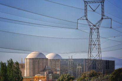 Exterior de la central nuclear de Almaraz (Cáceres).