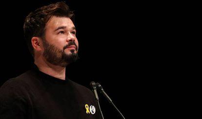 El portavoz adjunto de ERC en el Congreso de los Diputados, Gabriel Rufián, durante un acto de la campaña.