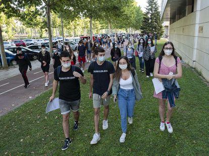 Estudiantes en el campus de Cappont de la Universidad de Lleida este martes 7 de julio.