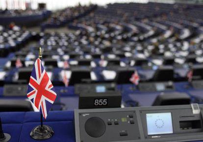 La imagen muestra el puesto vacío de un diputado británico euroescéptico durante una sesión plenaria del Parlamento Europeo en Estrasburgo.