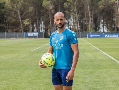 Mikel Rico, este viernes en los campos de entrenamiento del Huesca.