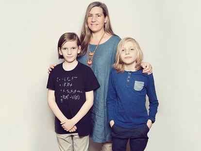 Lea González Vélez, con sus hijos, Michael y Richard. Los tres son superdotados.