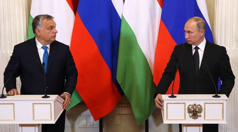 El primer ministro húngaro, Víktor Orbán, y el presidente de Rusia, Vladímir Putin, en el Kremlin en 2018.