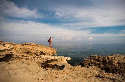Vista desde las rocas de la playa de la Laguna Azul, ubicada en la chipriota península de Akamas.