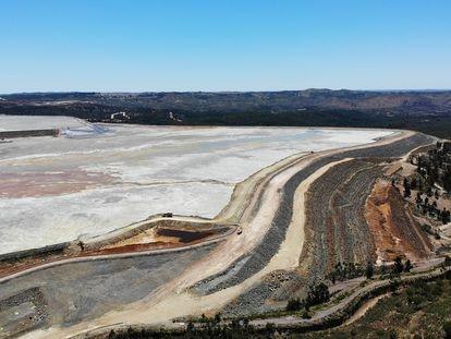 Riotinto/Huelva/18-05-2021: Balsa de lodos de la excavaci—n minera Atalaya en la localidad de Riotinto, Huelva.FOTO: PACO PUENTES/EL PAIS