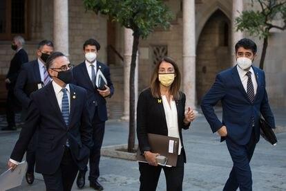 Los consejeros de Junts Ramon Tremosa, Meritxell Budo, Jordi Puigneró, a su llegada a la reunión semanal del Govern