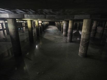 Interior del tanque de tormentas de Arroyofresno, el mayor del mundo por su capacidad.