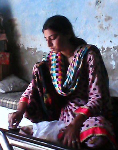 Sombal, de 16 años, secuestrada por un pretendiente despechado, en una imagen cedida por la familia
