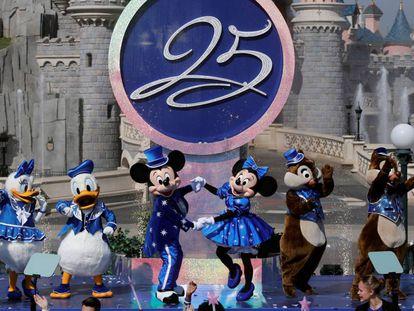 Los personajes de Disney, en los actos por el 25º aniversario este sábado.