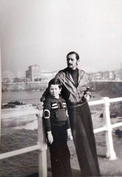 Ricardo Menéndez Salmón, en Gijón, en 1978.