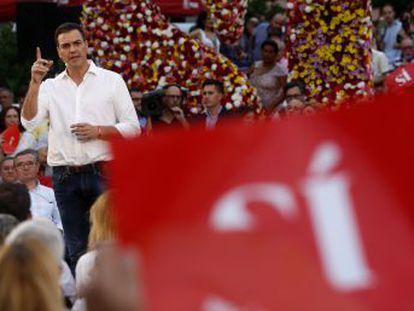 Aunque el PSOE es la formación que genera más simpatía entre los ciudadanos, y el que los votantes eligen como su preferido para ganar, cae hasta el tercer puesto y pierde 10 escaños