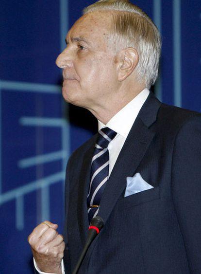 El presidente del Tribunal Supremo y del Consejo General del Poder Judicial, Carlos Dívar, en la inauguración de las V Jornadas Nacionales de Justicia y Comunicación, en Valencia.