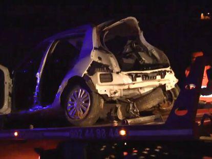 Estado del vehículo en el que murieron cinco jóvenes tras sufrir un accidente, este domingo en Cartagena.