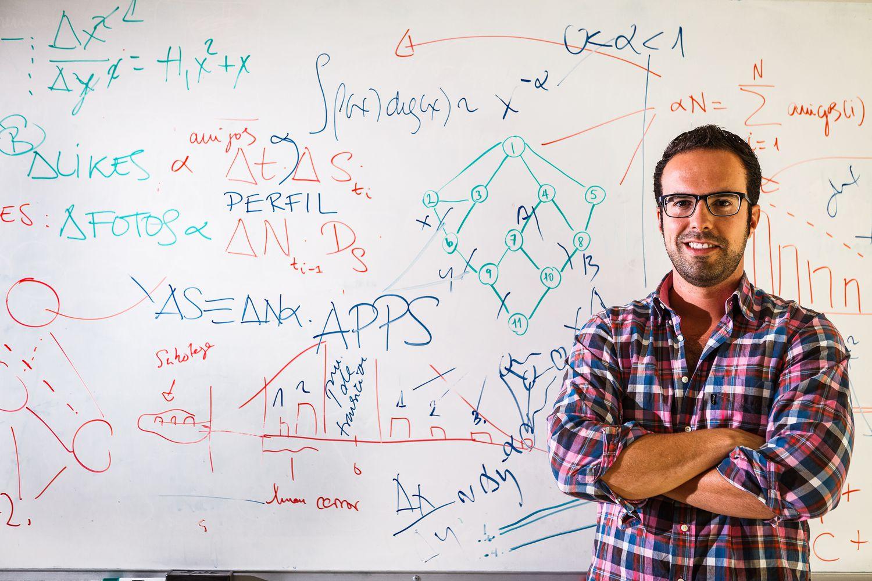 El investigador Manuel Cebrián, ahora en el Instituto Max Planck de Berlín, en una imagen de la época en que estuvo en la Universidad de California en San Diego.
