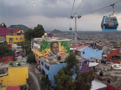 Un mural visto desde el cablebús en Iztapalapa, Ciudad de México, el 8 de septiembre.