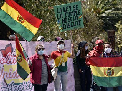 Activistas protestan frente al Tribunal Supremo Electoral (TSE) el pasado jueves.