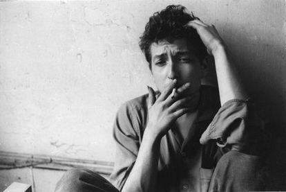 Bob Dylan en 1962, año de las grabaciones inéditas recientemente recuperadas.