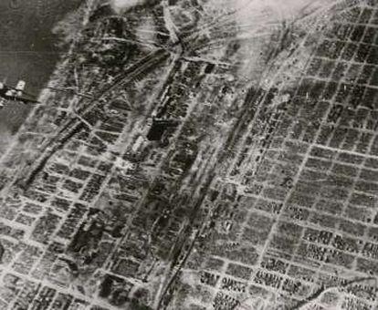 'En el frente del Este'. Fotografía aérea de Stalingrado realizada por la Compañía de Propaganda alemana (PK).