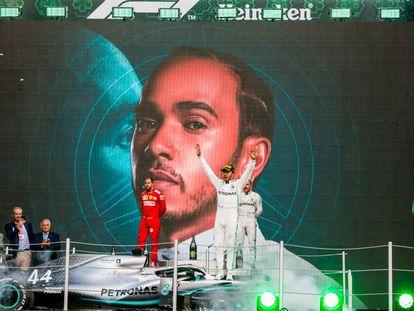 Hamilton celebra su triunfo en México, el pasado fin de semana.