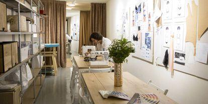 La empresa cuenta con media docena de talleres como proveedores y su mercado es nacional.