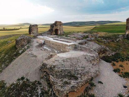 Ruinas del castillo de Dos Hermanas, en Montemayor (Córdoba)