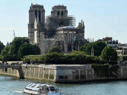 Vista de los trabajos de reconstrucción de la catedral de Notre Dame tras el incendio del 15 de abril